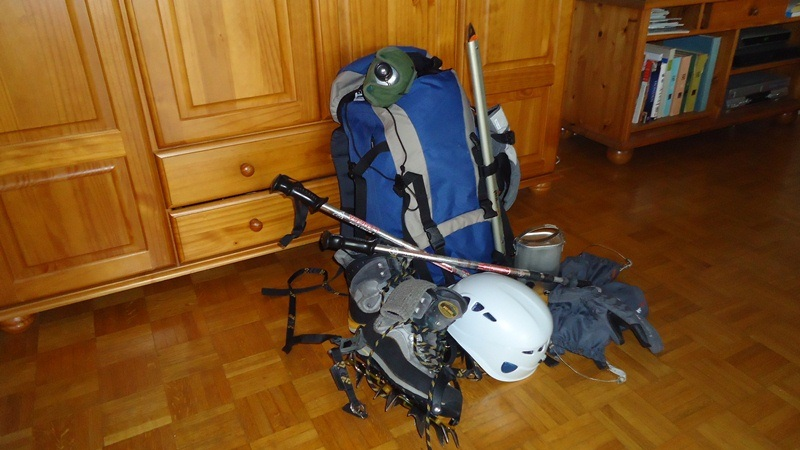 mountain climbing equipment - Some elements of my standard equipment.
