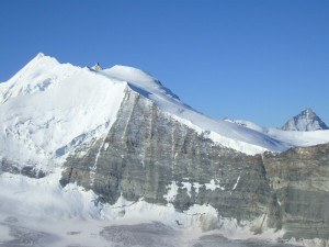 Bishorn and its glacier seen from the route to Barrhorn.