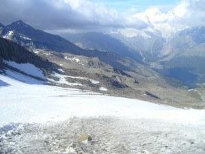 Lagginhorn - glacier, the hut is seen below.