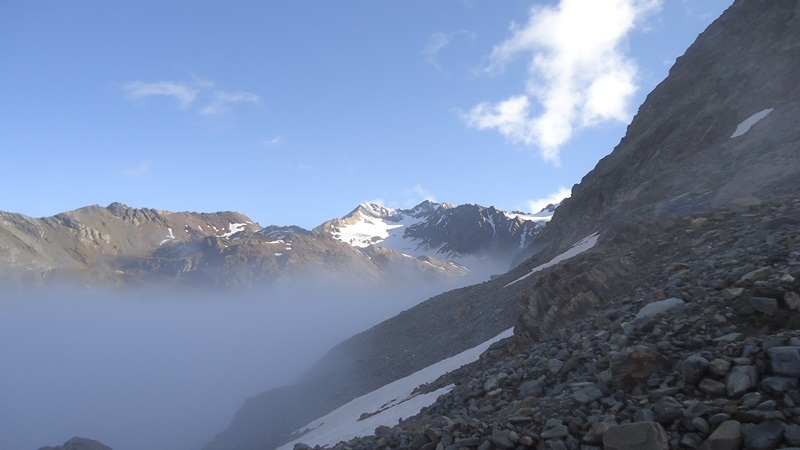 Tresero (3594 m), rare moments with views.