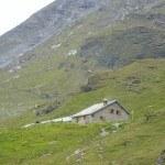 La Barma hut (2458 m).