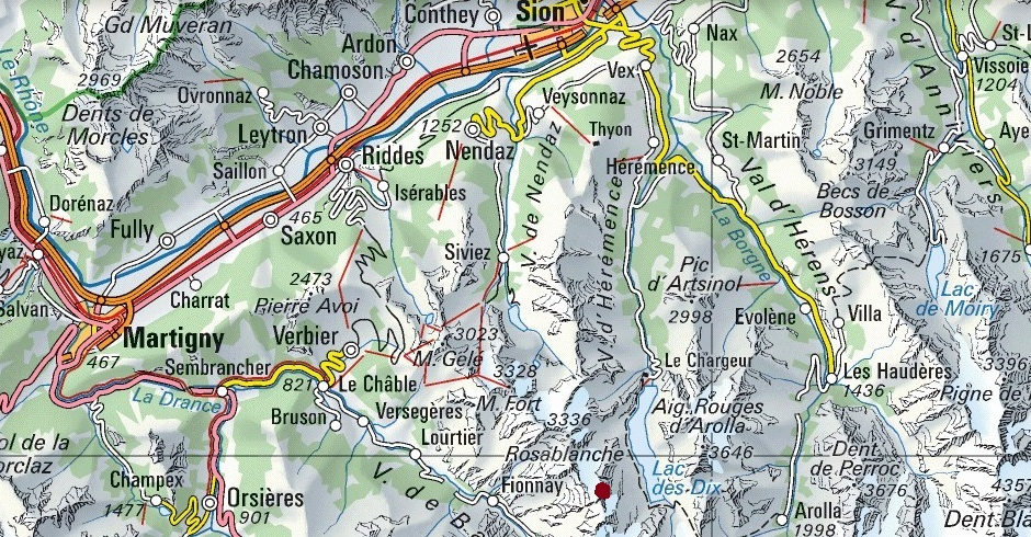 Area around Igloo des Pantalons Blancs (red dot) and access roads.