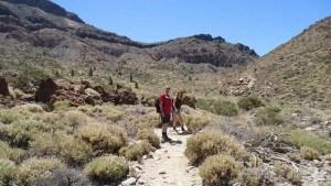 guajara mountain - Ivana and Iani at the beginning of the climb