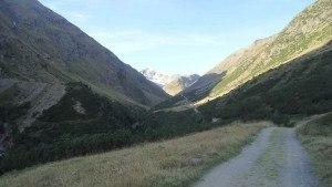 Niedertal valley toward Martin Busch hut.