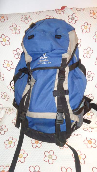 My 12 years old Deuter 38 L.