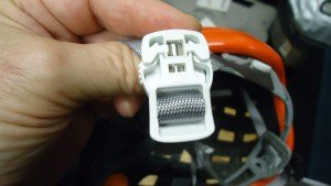 Buckle with magnets.