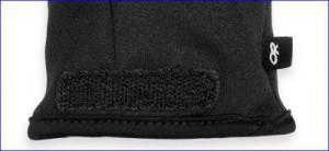 Velcro tab on the internal liner glove.