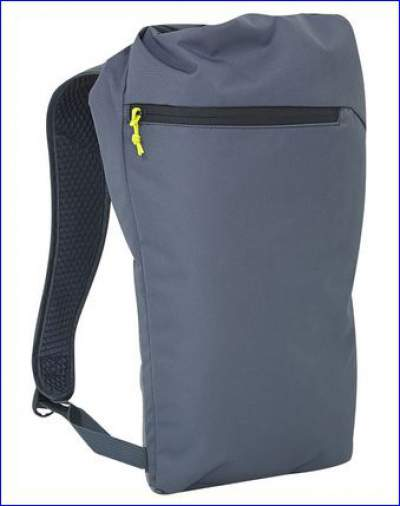 Removable 10 liter day pack.