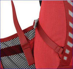 The hip belt built of mesh. InsideOut compression on the side pocket.
