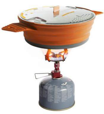 X Pot 1.4 liters used with a gas canister stove.