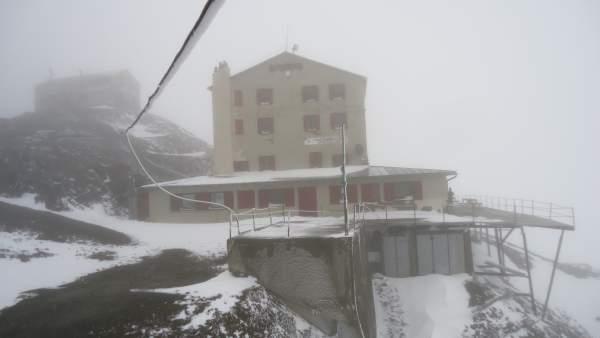 The frozen Casati hut.