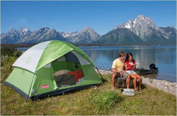 Sundome 4 Tent is a freestanding camping tent.