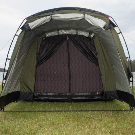 This is the front view, with vestibule open and the main door mesh open. So you see the zippered door of the inner cocoon tent.