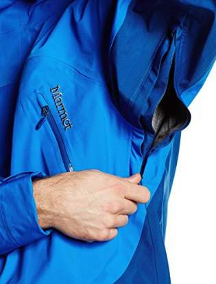 Pit zips for extra ventilation.