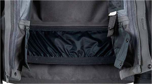 Removable powder skirt.