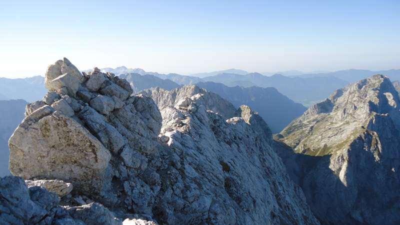 View back along the summit ridge with many exposed sections.