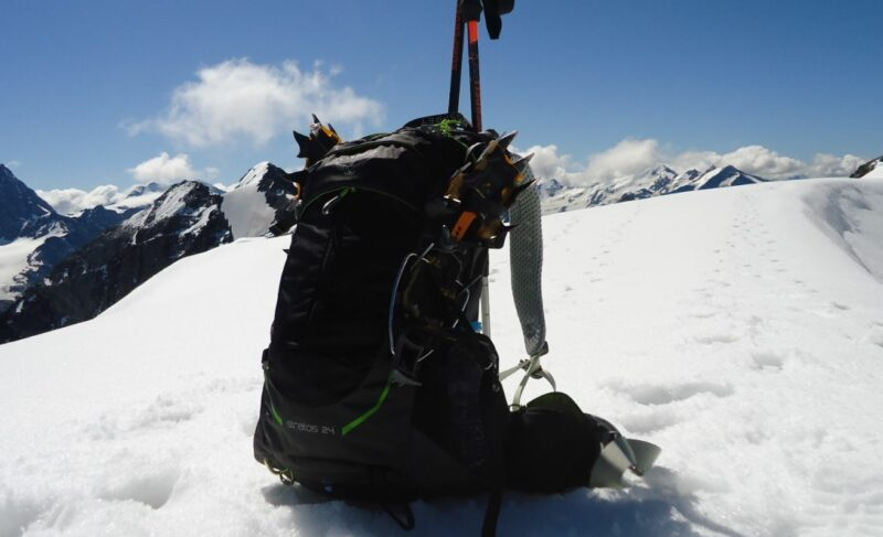 My Osprey Stratos 24 Pack on the summit of Geisterspitze.