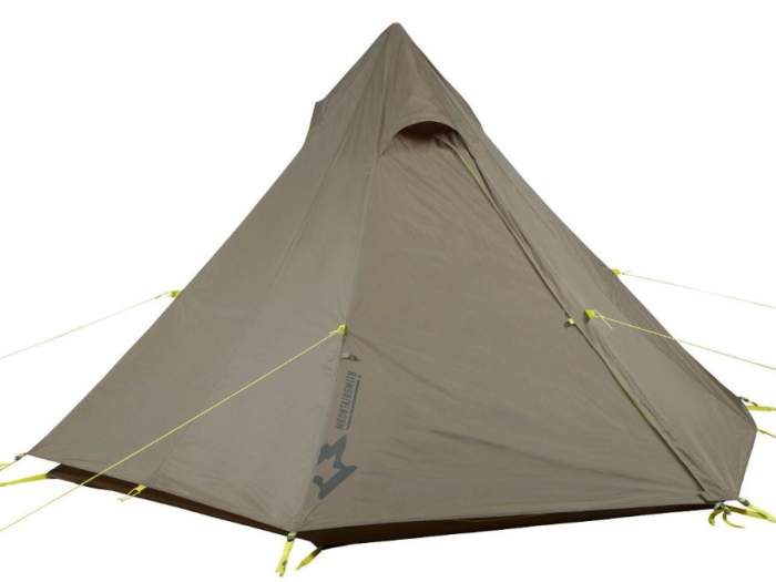 Mountainsmith Mountain Tipi with the fly on, note the vents and guyout lines.