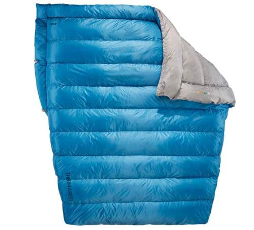 Therm-a-Rest Vela 2-Person 32-Degree Quilt.