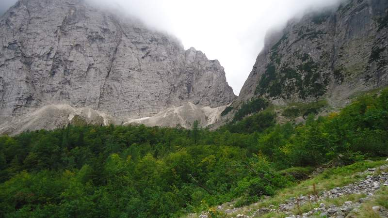 Luknja Pass as seen from Sovatna route.
