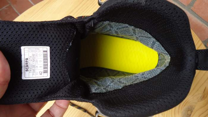 The view inside and yellow midsole.