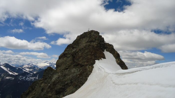 A cornice area before the summit of Cima Piazzi, picture was taken descending the mountain.