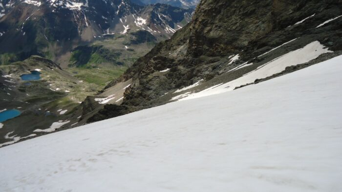 On the snow section, both lakes are visible far below.