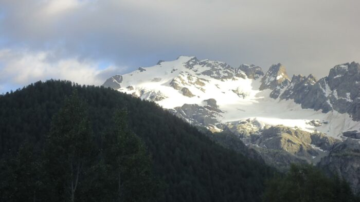 Cima di Piazzi, zoomed view from the road.